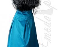 Niebieska sukienka z kontrafałdami