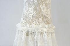 Sukienka z koronki-mgiełka