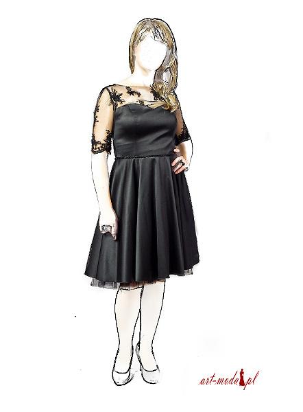 Sukienka studniówkowa czarna koronkowe plecy