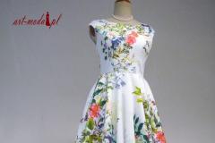Sukienka wiosenna w kwiaty