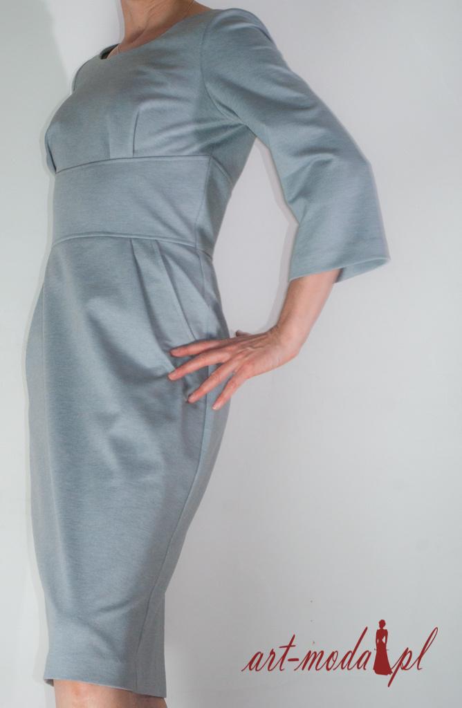 Sukienka z popielatej dzianiny Art-Moda