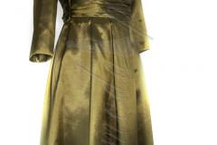 Sukienka z zielonej tafty z bolerkiem i krawatem