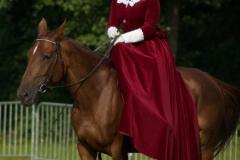 Suknia do jazdy konnej w Damskim Siodle