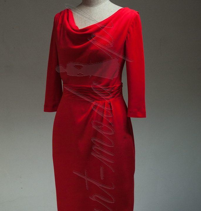 Sukienka czerwona woda